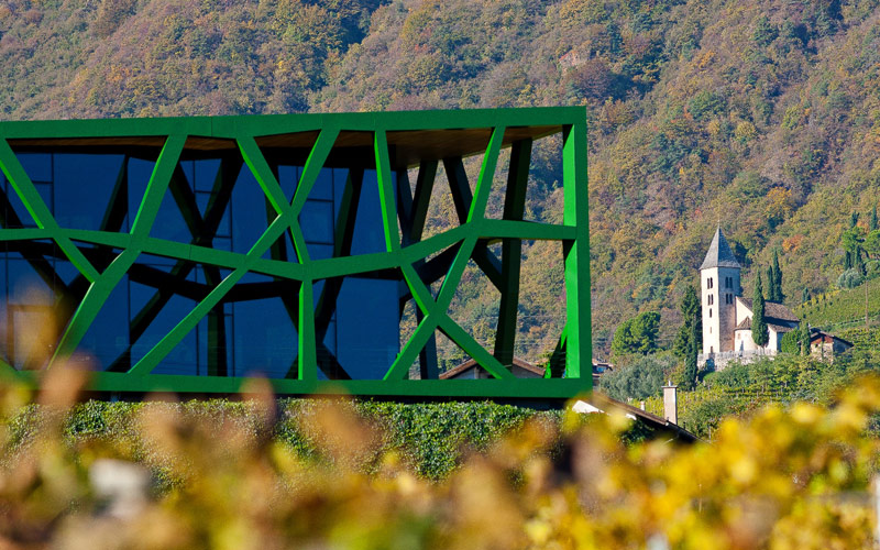 Winery-Cantina-Tramin-Architecture-Werner-Scholl-Termeno-wing-right